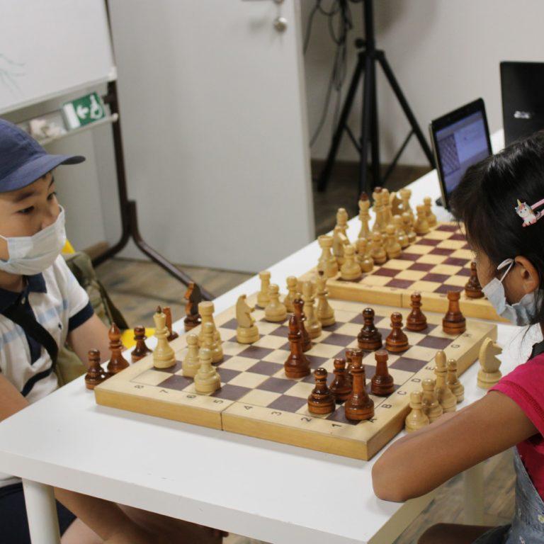Шахматный турнир среди детей «Ход конём»